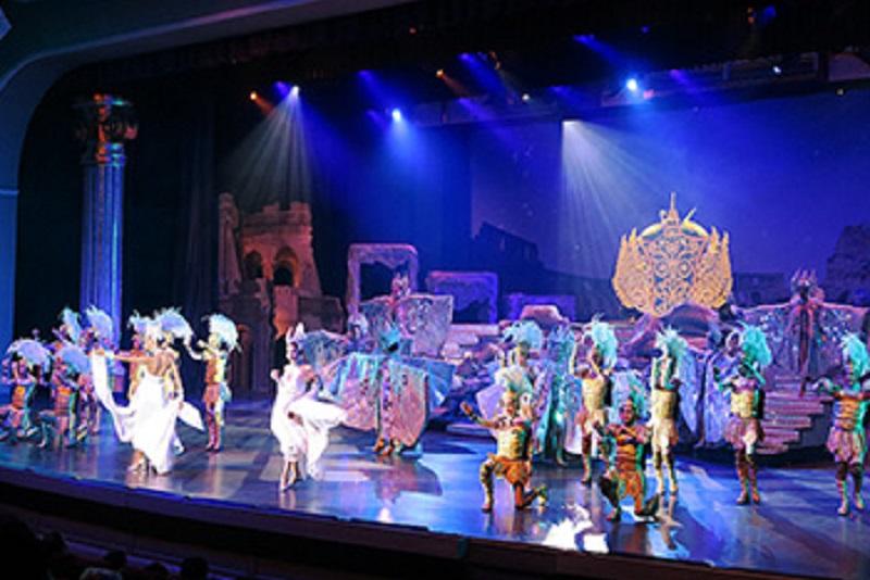 芭達雅的「羅馬金劇場」人妖秀場,請叫我泰國第一名!