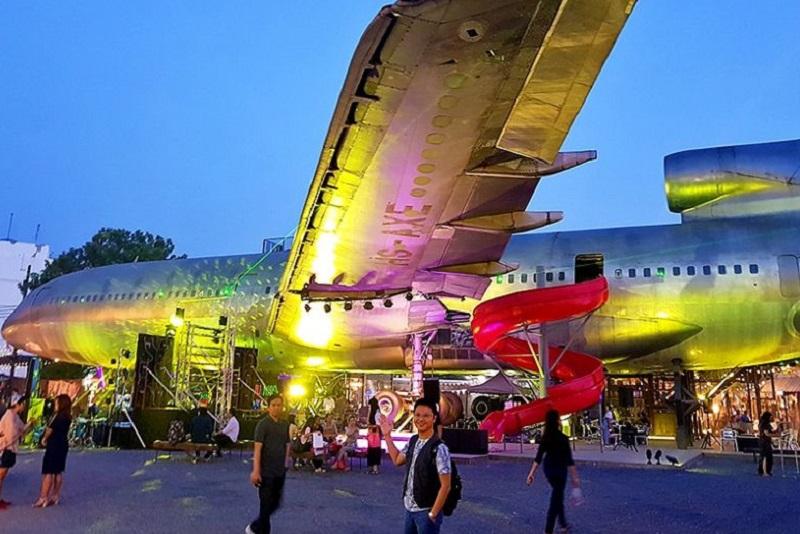 話題滿滿搞怪創意的曼谷Chang Chui 暢萃文創飛機夜市