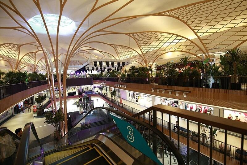"""普吉島新開幕的中央購物中心是亞洲第一座 """"豪華&休閒海灘生活風格景點""""購物中心"""