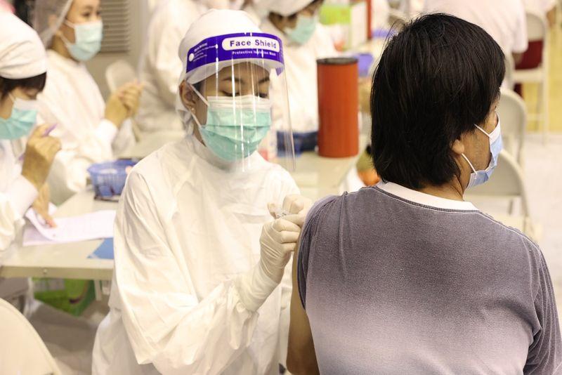 防疫新生活 EP.14_ Vaccination Rollouts