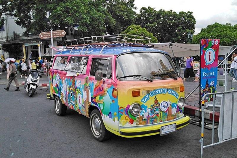 泰國觀光局針對遊客推出「移動式旅遊諮詢服務車」資訊亭